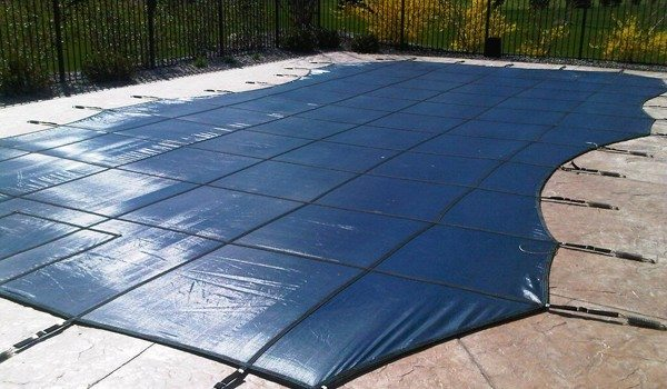 Close Down Your Swimming Pool for Winter