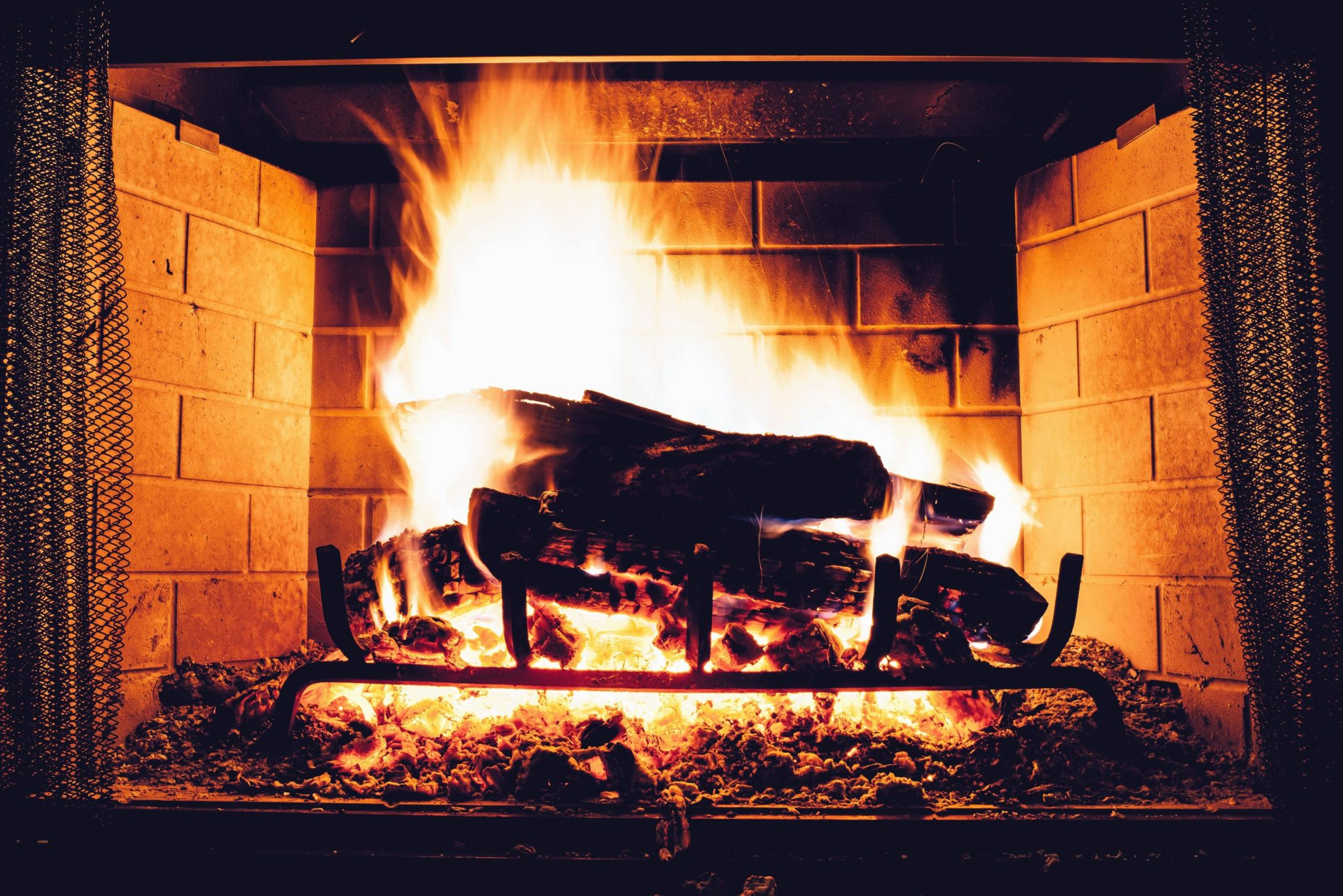 Winter home heating safety tips homeowner offers - Humo de chimenea ...